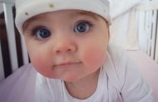 Em bé mắt xanh mê hoặc cả thế giới mạng