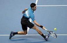 Federer nhất vòng bảng, Djokovic hẹn Nadal ở bán kết