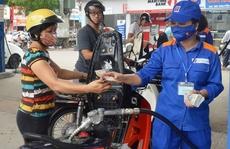 Giá xăng tăng lên 18.130 đồng/lít từ 15 giờ
