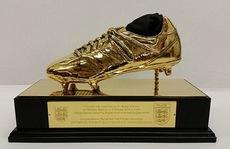 """""""Giày vàng"""" đặc biệt chờ Wayne Rooney tại Wembley"""