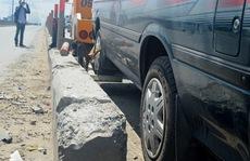 2 vụ tai nạn ô tô liên tiếp trên Xa lộ Hà Nội