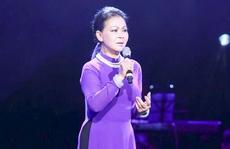 Quá xúc động, Khánh Ly hát trật nhịp ở Hà Nội