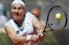 Địa chấn ở Madrid Open: Sharapova và Serena thất thủ ở bán kết