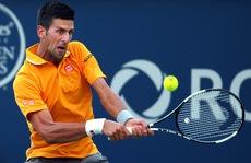 Djokovic chạm mốc 250 chiến thắng, kiều nữ Bouchard lại thua sớm