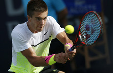 """Murray thua sốc tay vợt """"nhí"""" Coric ở Dubai"""
