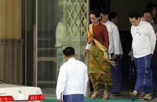Bà Suu Kyi 'thả con tép, bắt con tôm'?