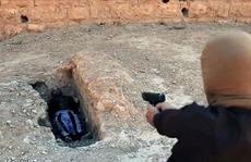 Cậu bé 7 tuổi bị IS xử tử vì buột miệng chửi thề