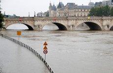 Sau khủng bố đến lượt lũ lụt đe doạ Euro 2016