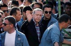 Máy bay chở ông Erdogan bị F-16 ngắm bắn