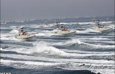 Tàu tuần tra Mỹ né tàu quân sự Iran ở Vịnh Ba Tư