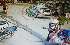 Bắt tài xế taxi kéo lê cảnh sát trên đường