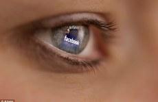 Phạt 1 năm tù cha mẹ 'khoe' ảnh con trên Facebook