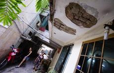 Lo sợ sống trong chung cư 'cổ' Long Hưng