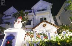 Hai ngôi nhà 'ngập tràn không khí Giáng sinh' ở Hà Nội