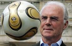 Vì sao Beckenbauer bị sờ gáy?
