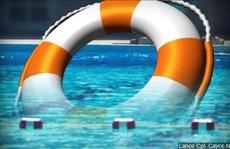 Nước hồ bơi sạch chưa chắc an toàn