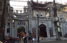 104 di tích ở Hà Nội bị xâm hại: Tiền đâu để di dời?