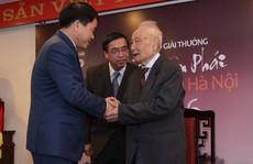 Chủ tịch UBND TP Hà Nội nhận Giải thưởng Bùi Xuân Phái