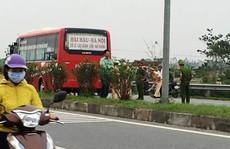 Xe khách tông chết 2 học sinh lớp 10