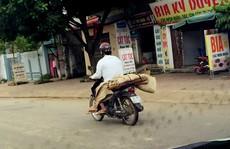 Làm rõ thông tin bệnh viện để chở thi thể về bằng xe máy