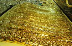 Giá vàng SJC tăng gần 2 triệu đồng/lượng, bỏ xa vàng thế giới