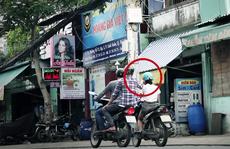 Dí dao cướp xe tay ga trên đường Bình Quới