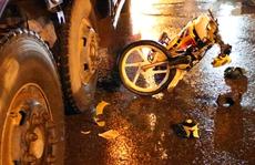 Thanh niên bị xe tải cán nát chân, kêu gào thảm thiết