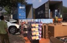 Bắt giữ 1 xe container chở toàn hàng nhập lậu về TP HCM