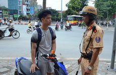 Nhiều nơi chưa xử phạt người đi xe máy điện vi phạm