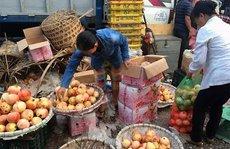 """Bán hoa quả Trung Quốc thu lãi """"khủng"""" và cái giá phải trả"""