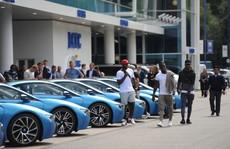 Ông chủ Leicester City thưởng 19 xe BMW i8 cho các cầu thủ