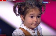 Cô bé 4 tuổi nói được 7 thứ tiếng