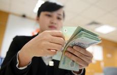 Làm ngân hàng: Trong chán, ngoài thèm