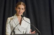 "Emma Watson thừa nhận ""kinh hãi"" khi nổi tiếng lúc 10 tuổi"