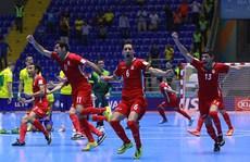 Gây sốc loại Brazil, Iran lập kỳ tích ở World Cup futsal!