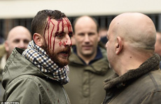 CĐV Arsenal và Tottenham đánh nhau đổ máu