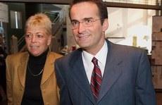 Cả nhà cựu bộ trưởng Canada thiệt mạng trên đường đi đám tang