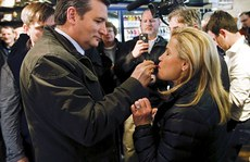Ông Ted Cruz từng là khách của tú bà Palfrey?