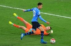 Dele Alli bỏ lỡ cơ hội không tưởng cho Tottenham