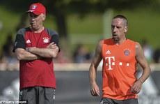 Ancelotti nhận thư Pep trong ngày ra mắt Bayern