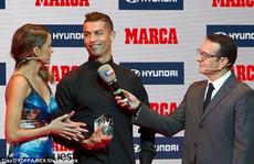Vừa gia hạn hợp đồng, Ronaldo đã có danh hiệu