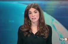 Bi hài nữ MC xinh đẹp 'lộ hàng' trên truyền hình