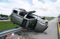 Tại sao xe SUV lại dễ bị lật?