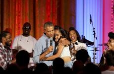 Tổng thống Obama hát mừng sinh nhật con gái