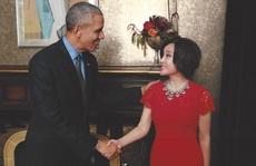 Lưu Hiểu Khánh trẻ trung diện kiến Obama