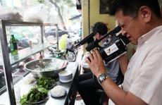 Báo giới, truyền hình nước ngoài rủ nhau 'ăn bún chả Obama'