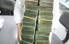 Tiền đang chảy đi đâu?