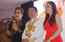 Danh hài Phú Quý khóc trong ngày mừng thọ 70 tuổi