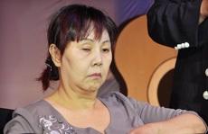 Nghệ sĩ Hoàng Lan ngồi xe lăn xuất viện