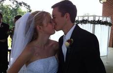 Cô gái từ chối trị bệnh để được chết theo chồng
